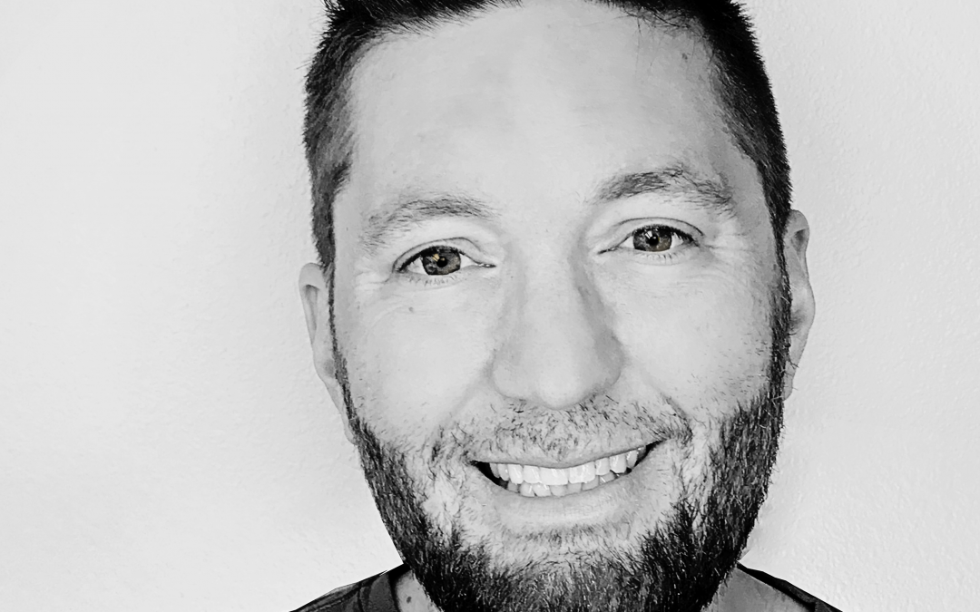 Episode 29. How to Market and Sell in a Way That Feels Good with Mike Kelly